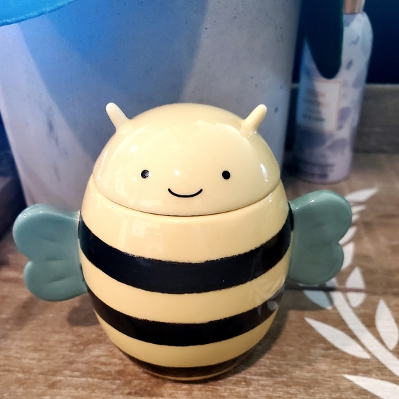 STARBUCKS CERAMIC BEE MINE MUG